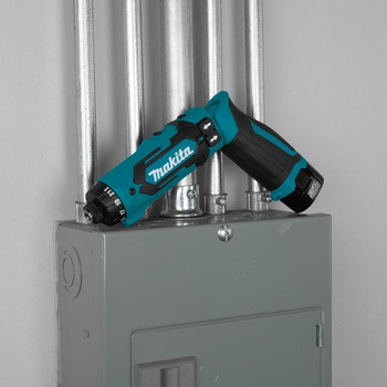 Makita DF012DSE 7.2V Lithium-Ion 1/4 in. Cordless Hex Drill Driver Kit with Auto-Stop Clutch (1.5 Ah) image number 4