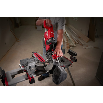 Milwaukee 2734-21HD M18 FUEL 9.0 Ah Cordless Lithium-Ion 10 in. Dual Bevel Sliding Compound Miter Saw image number 4