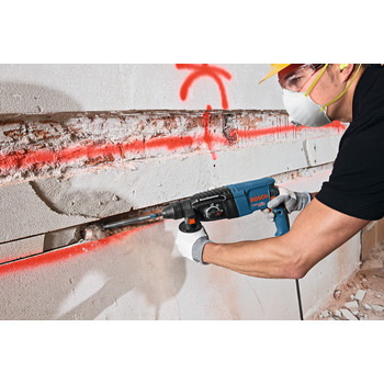 Factory Reconditioned Bosch GBH2-26-RT 8.0 Amp 1 in. SDS-Plus Bulldog Xtreme Rotary Hammer image number 4