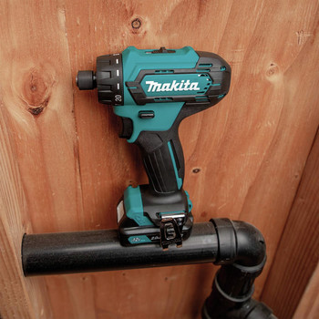 Makita FD10R1 12V max CXT Lithium-Ion Hex Brushless 1/4 in. Cordless Drill Driver Kit (2 Ah) image number 7