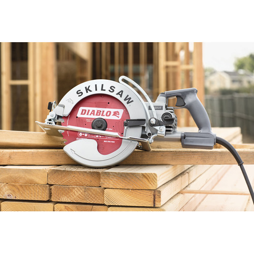 SKILSAW SPT78W-22 15 Amp 8-1/4 in. Aluminum Worm Drive Saw image number 3