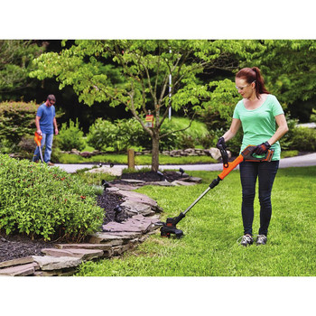 Factory Reconditioned Black & Decker LST522R 20V MAX 2.5 Ah Cordless Lithium-Ion 12 in. 2-Speed String Trimmer/Edger Kit image number 4
