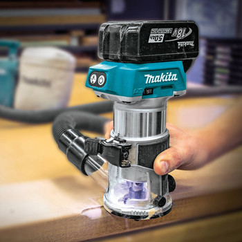 Makita XTR01T7 18V LXT 5.0 Ah Cordless Lithium-Ion Brushless Compact Router Kit image number 4