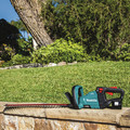 Makita XHU07T 18V LXT Lithium-Ion Brushless Cordless 24 in. Hedge Trimmer Kit (5 Ah) image number 9