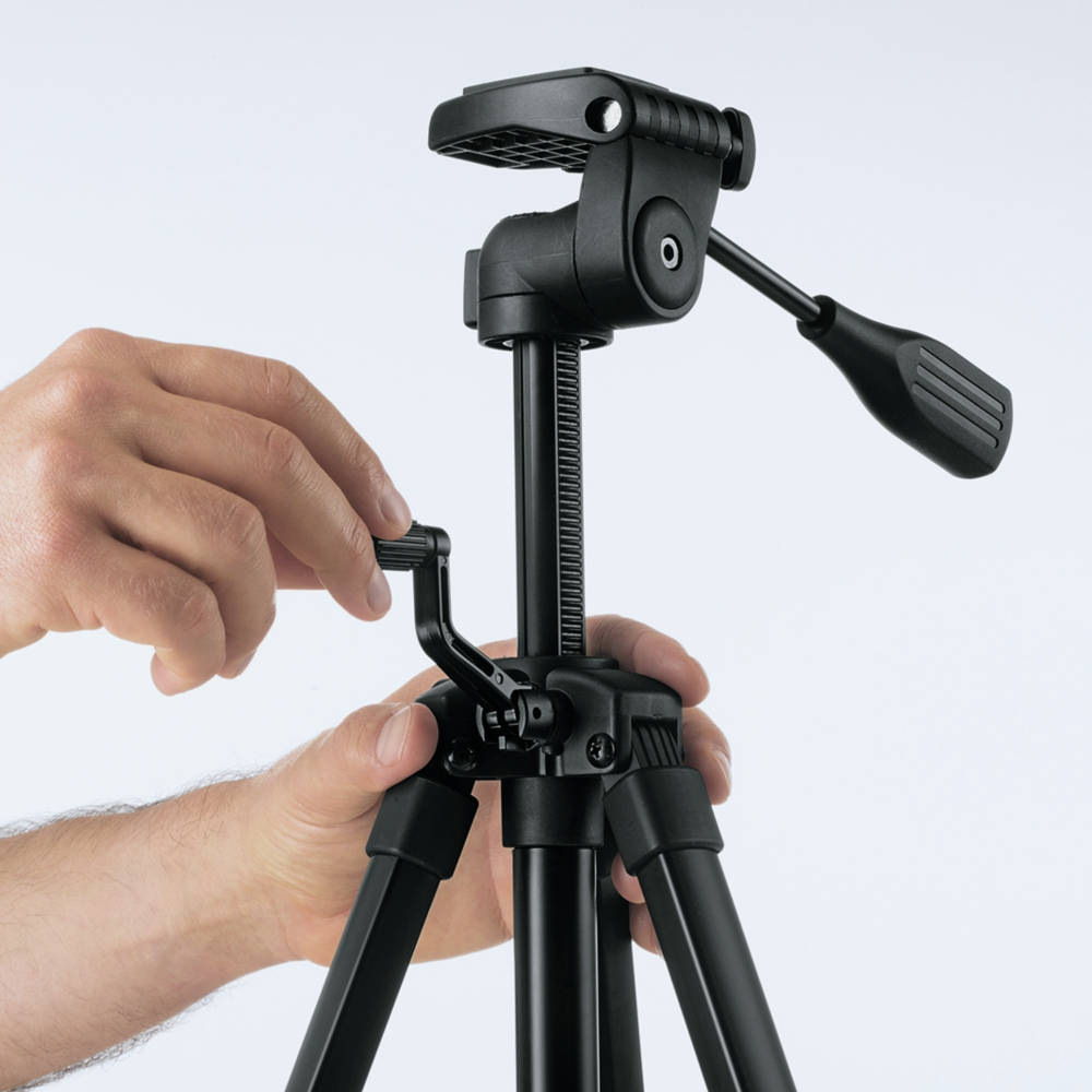 Expand tripod from 22 in. to 61 in. for different height applications