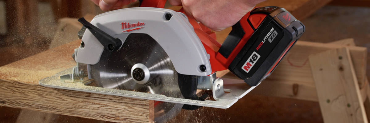 M18 Lithium-Ion 6-1/2 in. Circular Saw features aircraft aluminum shoe providing greater accuracy