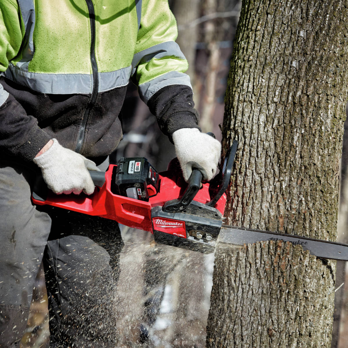 M18 FUEL 16 in. Chainsaw cuts faster than gas powered chainsaws