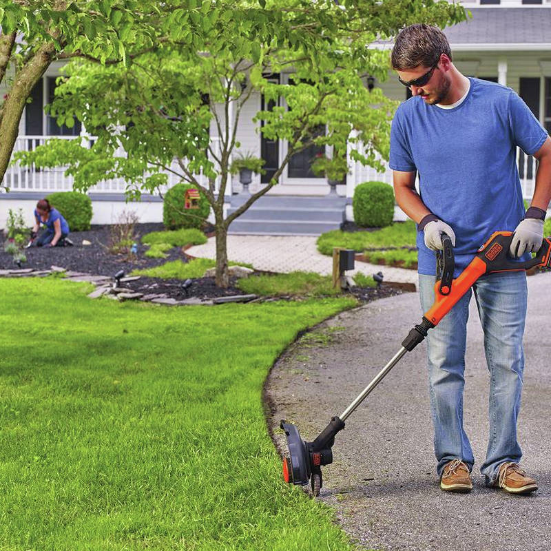Black Decker Lst522 20v Max 2 5 Ah Cordless Lithium Ion 12 In 2 Speed String Trimmer Edger Kit Cpo Outlets