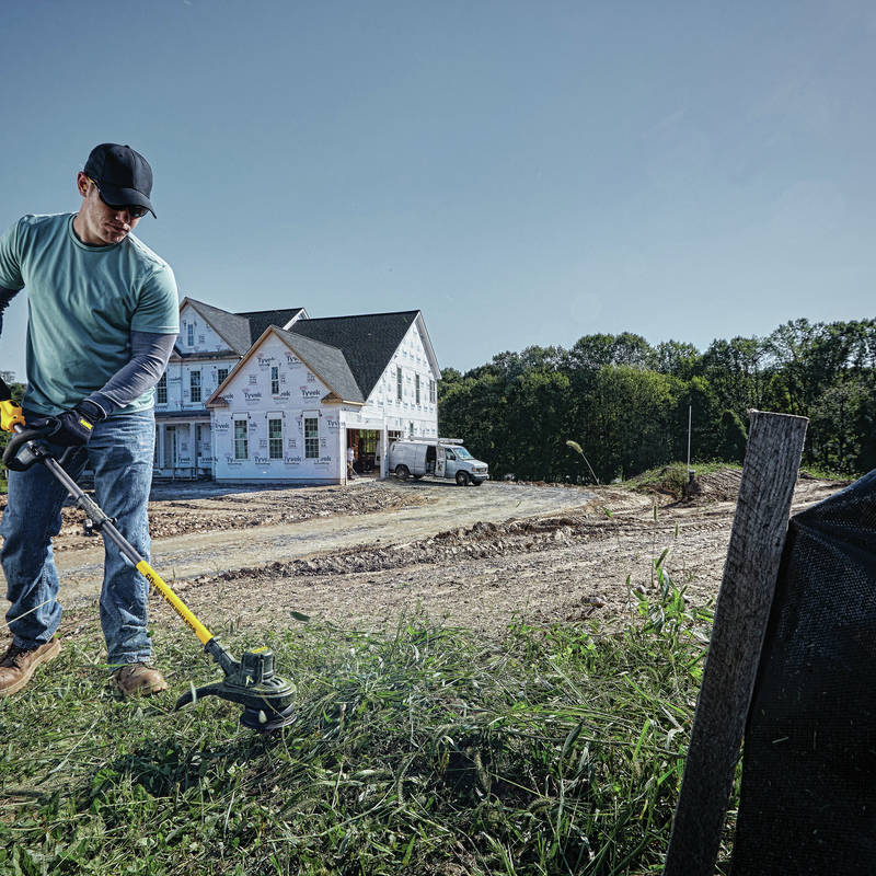 FlexVolt 60V MAX String Trimmer features long run time and motor life