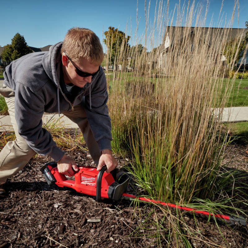 M18 FUEL Hedge Trimmer runs up to 2 hours per charge