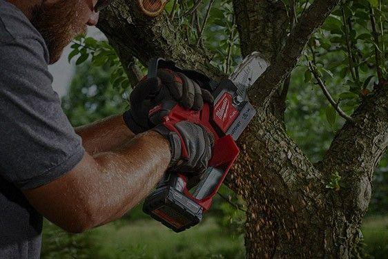 M12 FUEL Hatchet 6 in Pruning Saw
